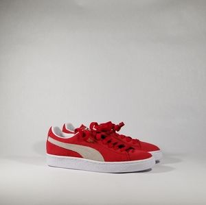 NEW Puma Suede Red